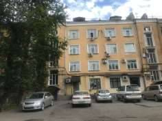 5-комнатная, улица Карла Маркса 41. Центральный, частное лицо, 94,2кв.м. (доля)