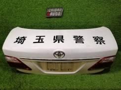 Крышка багажника Toyota Crown, задняя