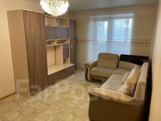 2-комнатная, улица Чкалова 30. Вторая речка, частное лицо, 58,1кв.м. Комната