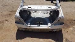 Задняя часть автомобиля Toyota Sprinter AE114 4AFE