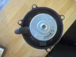 Мотор печки Toyota Estima, передний 8710395D00