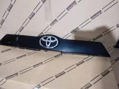 Молдинг крышки багажника Toyota Highldnder 3 768010E250