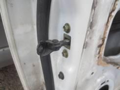 Успокоитель задней двери Honda Odyssey RB1 2003-2006г