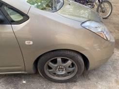 Крыло передние Toyota Prius 20 , с распила ! не требует покраски, 4s2