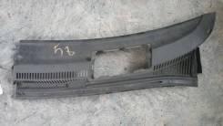 Решетка под дворники Toyota Ist NCP60, левая