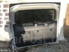 Обшивка двери багажника Lexus GX460, задняя 6478060340