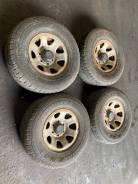 Комплект летних колес на дисках 265 70 15, Toyota Hilux LN107. RS-21.