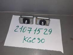 Петля задней двери Toyota Passo KGC30 1KRFE