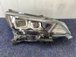 Фара правая Nissan LEAF ZE1 LED Оригинал Япония 19-54