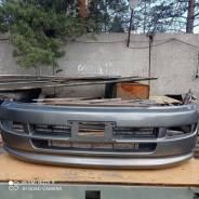 Продам передний бампер Toyota Regius RCH 41