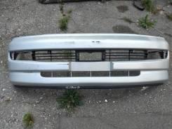 Передний бампер с распила Toyota Hiace Regius KCH46 97года