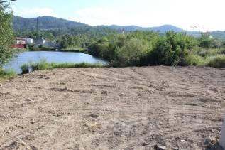 Земельный участок на Спутнике на берегу живописного озера. 900кв.м., собственность. Фото участка