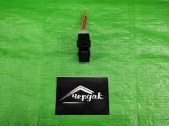 Кнопка стеклоподъемника Dodge Caliber 2006 [56040693AD], правая задняя 56040693AD