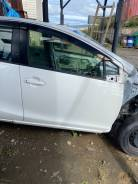 Дверь Toyota AQUA 2012 г