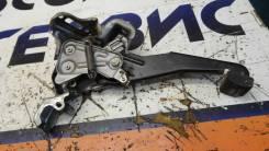 Педаль ручника Toyota Harrier 4621048010