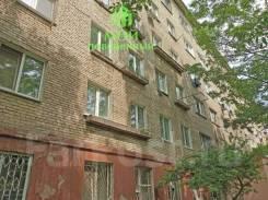 Гостинка, улица Корнилова 10. Столетие, агентство, 12,7кв.м. Дом снаружи