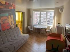 2-комнатная, улица Нейбута 137. 64, 71 микрорайоны, агентство, 50,0кв.м. Комната